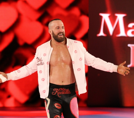 Mike Kanellis : son incroyable transformation physique