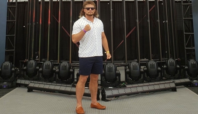 Direction AEW pour Brian Pillman Jr ?