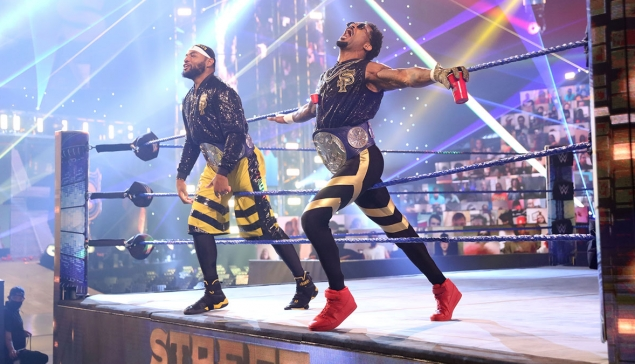 Que signifie le ''We want the smoke'' des Street Profits ?